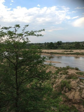 Maqueda Lodge: Drive along the Croc River