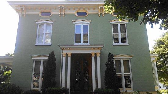 Merriam Barrett Guest House