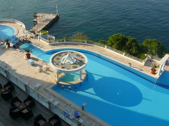 Korumar Hotel De Luxe : Бассейн