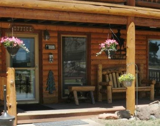 Ute Bluff Lodge, Cabins & RV Park: Office Entrance