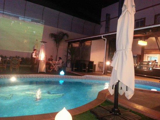 El Firdaous: piscine en terrasse