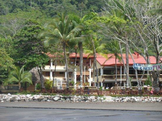 Jaco Laguna Resort & Beach Club : Jaco Laguna Resort from the beach