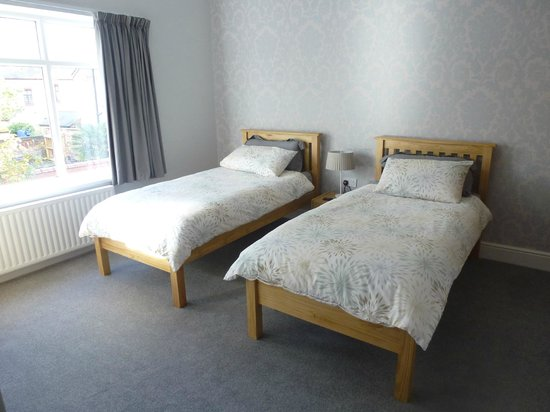 Orrell Park Hotel: Twin Room