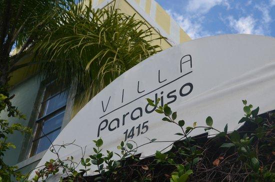 Villa Paradiso : entrance sign