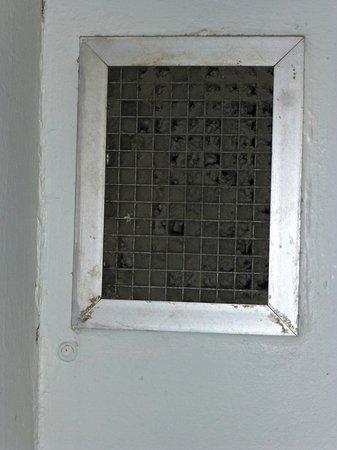 Addison's on Anzac: bathroom vent