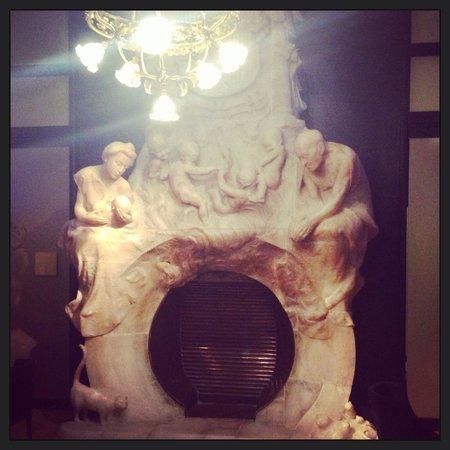 Hotel Espana : Beautiful fire place