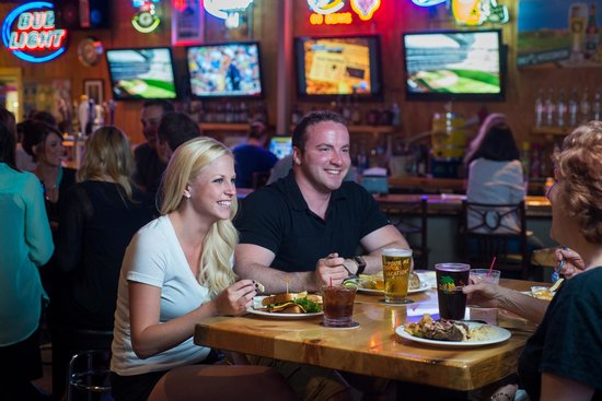 The Keg & Patio : Watch all your favorite sports events!