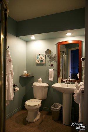 Hôtel-Motel Drummond : Suite La Romance: salle de bain