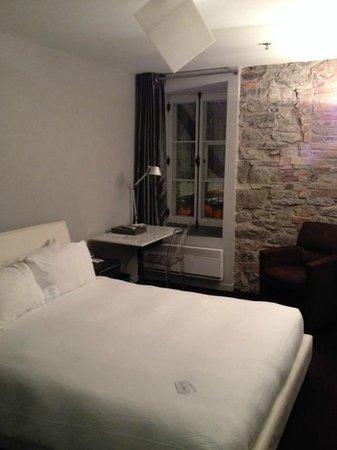 Hotel Le Priori : vue de la chambre