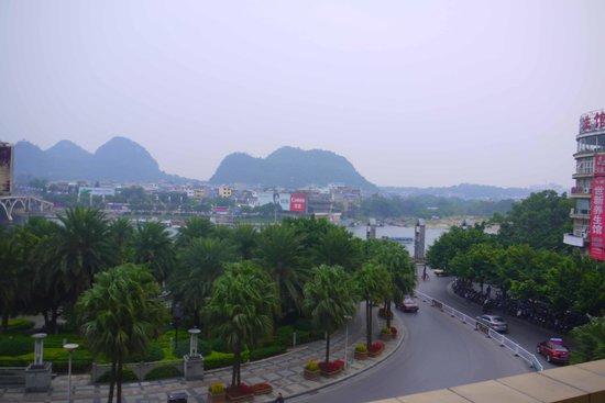 Universal Guilin Hotel: Li River
