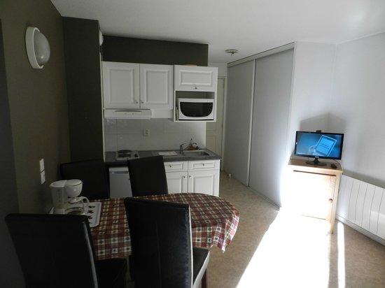 Coté Chalet Résidence Hostel Lounge : séjour confort suite