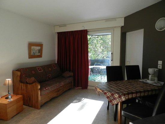 Coté Chalet Résidence Hostel Lounge : suite séjour confort