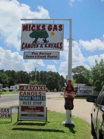 Micks Pine Barrens Canoe and Kayak Rental : Sign