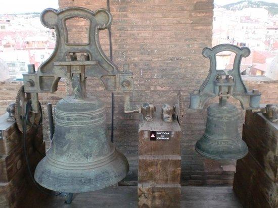 Torre Mudejar de El Salvador : campanas