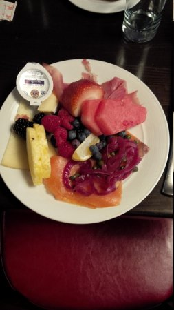InterContinental Chicago Magnificent Mile: Breakfast 1st Class