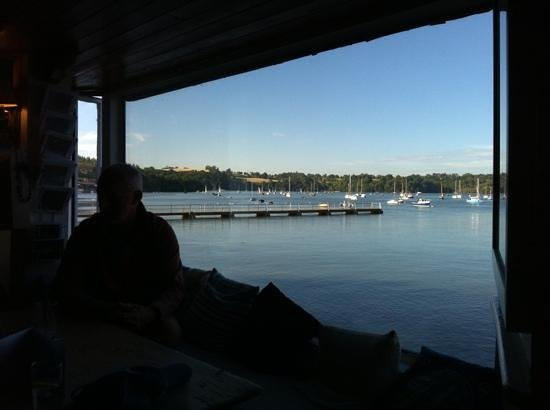 Ferry Boat Inn : View from the restaurant over the river Dart