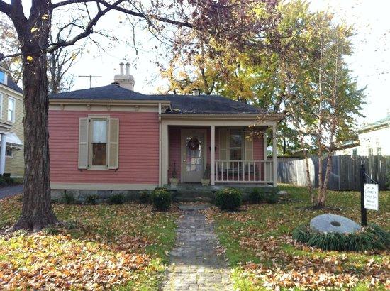 Colonel's Cottage Inns: Millstone cottage