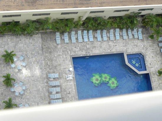 OHANA Waikiki East Hotel: Hotel Pool