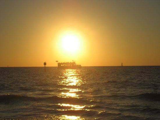 Holiday Inn Hotel & Suites Clearwater Beach: beautiful sunset