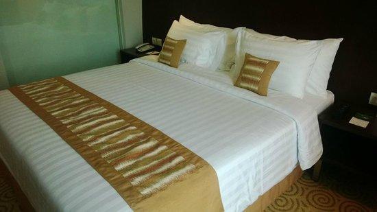 The Alana Surabaya: Room