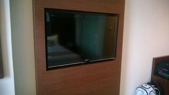 The Alana Surabaya: Huge TV, larger then average TV in other Hotel