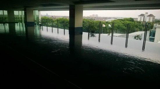 The Alana Surabaya : Pool