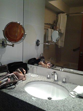 Casa Andina Select Miraflores: Banheiro limpo