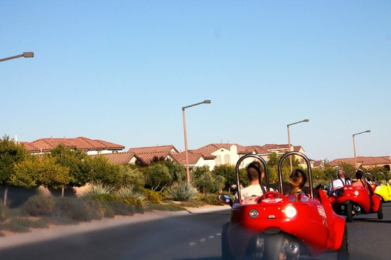 Scoot City Tours: Driving back to the storage unit