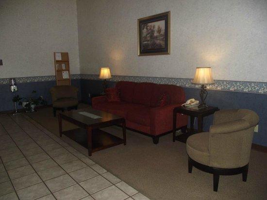 Americas Best Value Inn - Smackover: Hotel Lobby