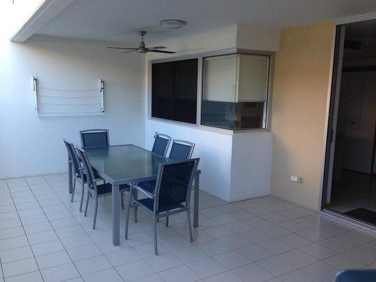Coolum Seaside Resort : Outside balcony area