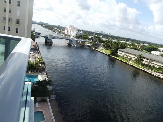 Residence Inn Fort Lauderdale Intracoastal/Il Lugano : Canal View.
