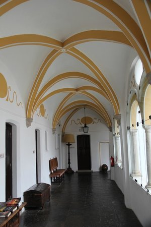 Pousada Convento de Évora : Beautiful interior spaces