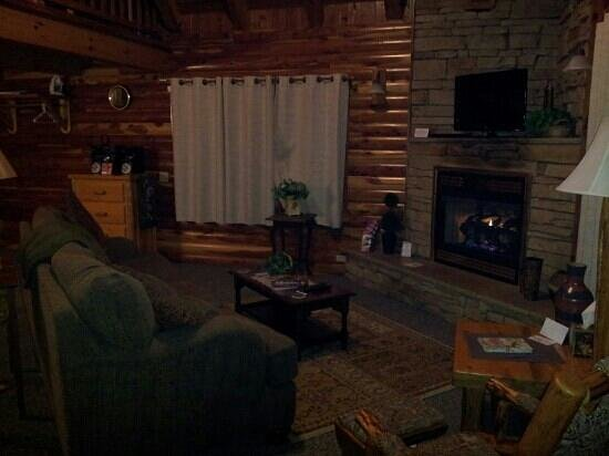 Donna's Premier Lodging: quite the way to spend the evening!