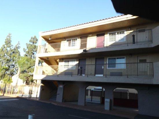 Super 8 El Cajon CA: vista del hotel