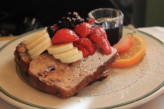 Mama's on Washington Square : French Toast