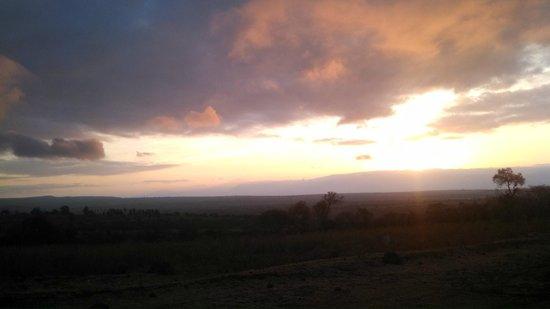 Kikoti Safari Camp : Sunset from terrace