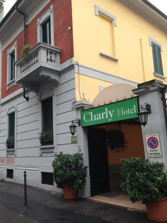 Charly: hotel