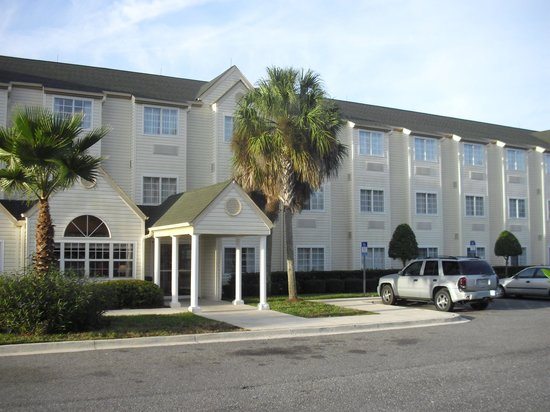 Jacksonville Plaza Hotel & Suites: El hotel al amanecer