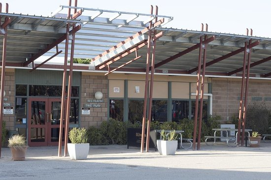 Front of the Eucla Motor Hotel