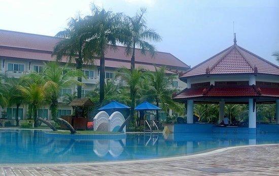 Sokha Beach Resort: Lovely pool