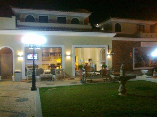 Hotel Don Quijote: Vista nocturna
