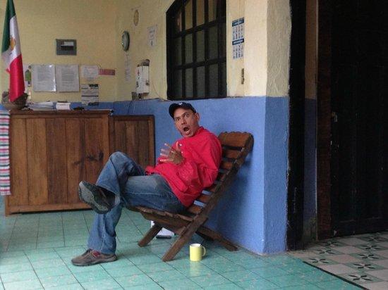 Hostal La Casa de Paco : Crazy Paco himself