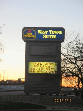 BEST WESTERN West Towne Suites: sign outside