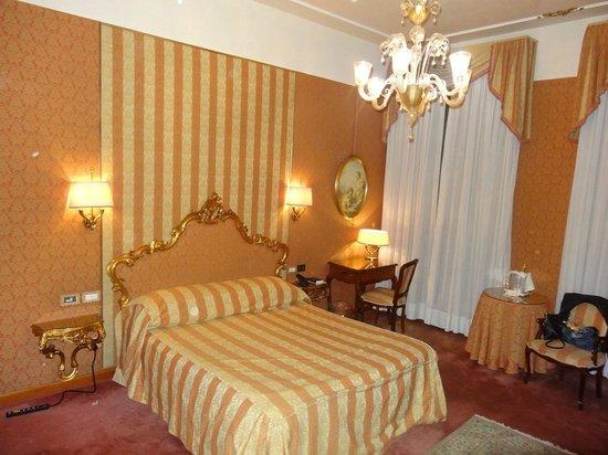 Hotel Locanda Vivaldi: Inside our room