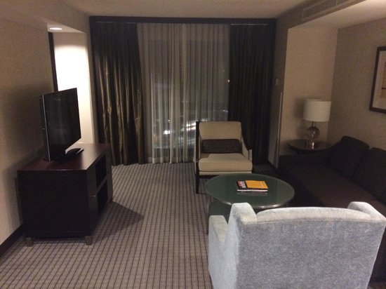 Hyatt Regency San Francisco Airport - Burlingame: Living room, suite