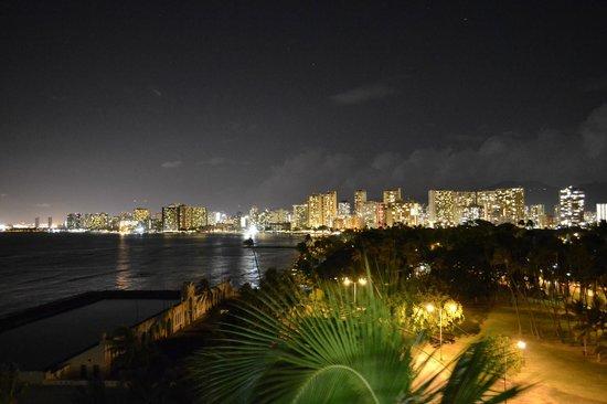 The New Otani Kaimana Beach Hotel: 7th Floor Waikiki View Room