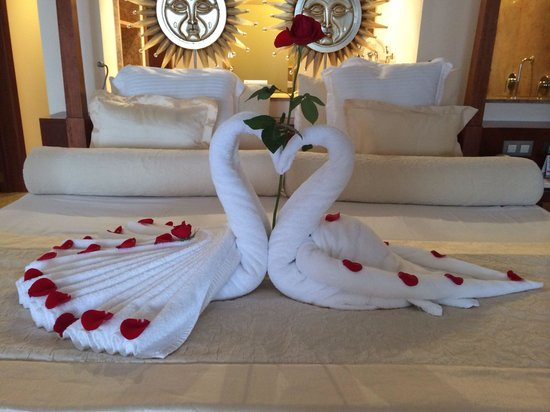 Excellence Playa Mujeres: Room decor