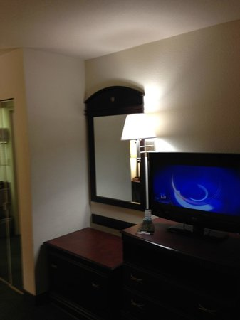 EconoLodge Palm Coast: Room 101 ~ Best Western Palm Coast