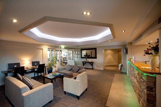 Suncourt Hotel & Conference Centre: Hotel Reception