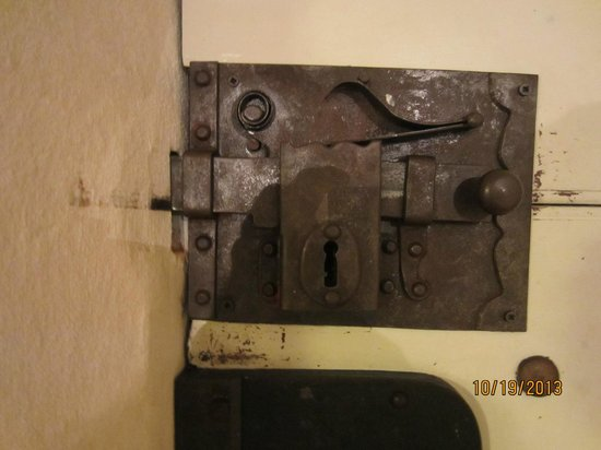 Locanda Sant'Agostino Maison de Charme : Practice unlocking before leaving!
